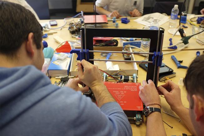 Creación Electrónica y 3D
